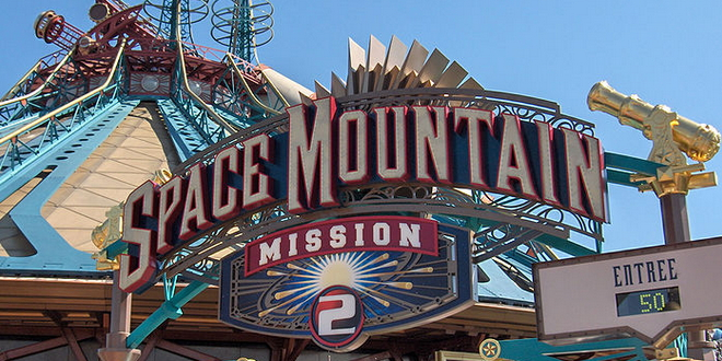 диснейленд горки Space Mountain