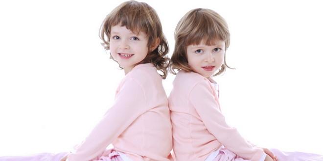 Стоит ли разлучать близнецов в начальной школе?